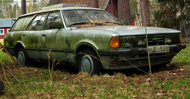 how to scrap my car, what is a junk car worth, who buys crashed cars, wrecked vehicle buyer